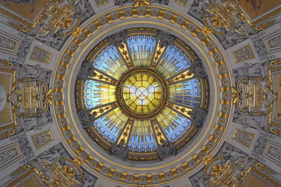 'Cathedral' essay topics
